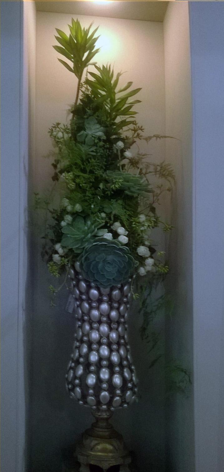 arranjo-suculenta-vaso-ouro-velho